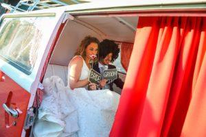 sposi-photo-booth-matrimonio-furgoncino-fotografico-photobooth-evento-matrimonio